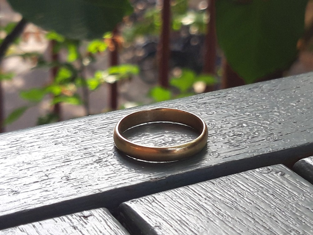 Just a simple ring.